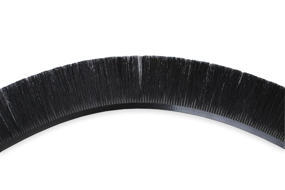 Flexible brush laths